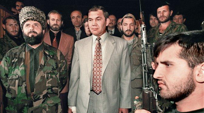 MEMORIE DI UN PRESIDENTE – INTERVISTA A ZELIMKHAN YANDARBIEV (17/12/2001)